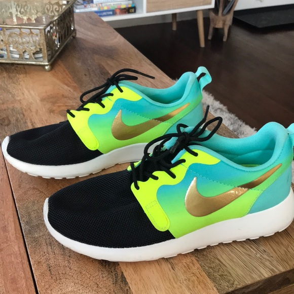 Nike Roshe Black/Neon Sneakers with Gold Swoosh